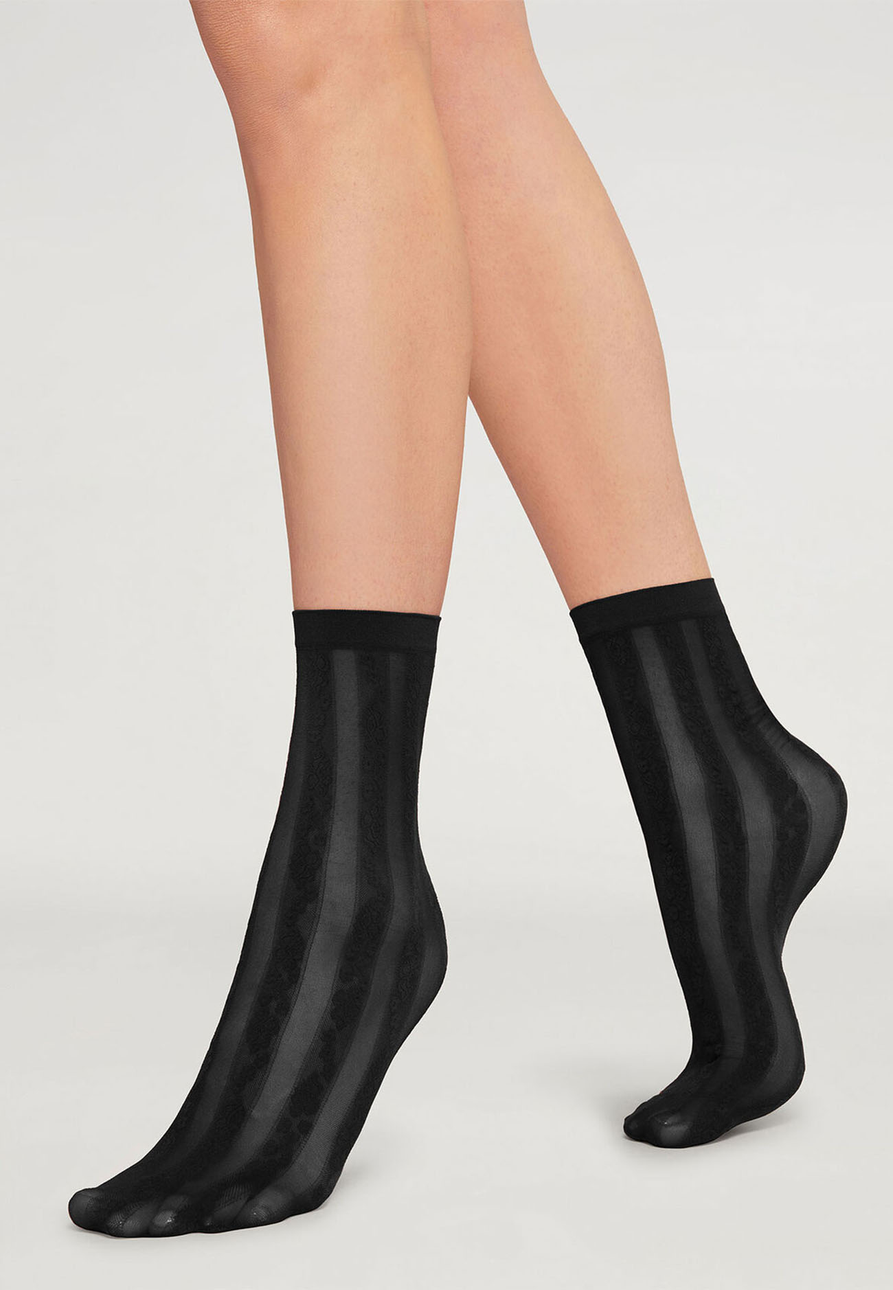 48052 Ruth Socks